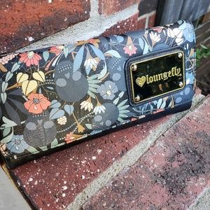 Loungefly Bags - Loungefly skull wallet like new